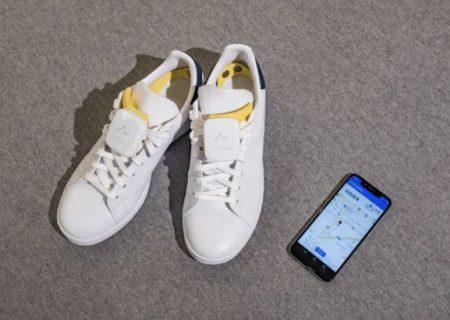 مسیریابی افراد کم بینا با کفش های هوشمند